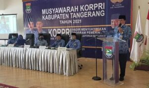 Moch. Maesyal Rasyied kembali memimpin Korps Pegawai Republik Indonesia (KORPRI) Kabupaten Tangerang. Ia kembali terpilih melalui musyawarah kabupaten (Muskab). Acara digelar di Gading Golf Kelapa Dua Kabupaten Tangerang, Jumat (23/4).